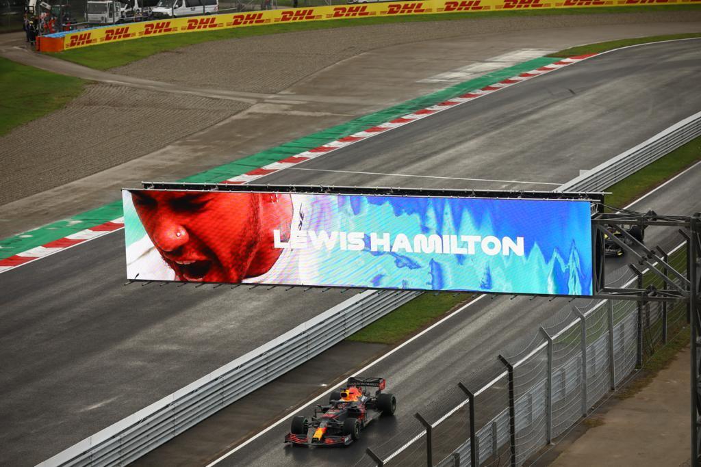 """У Стамбулі відбувся Гран-прі Туреччини з автоперегонів """"Формула-1"""""""